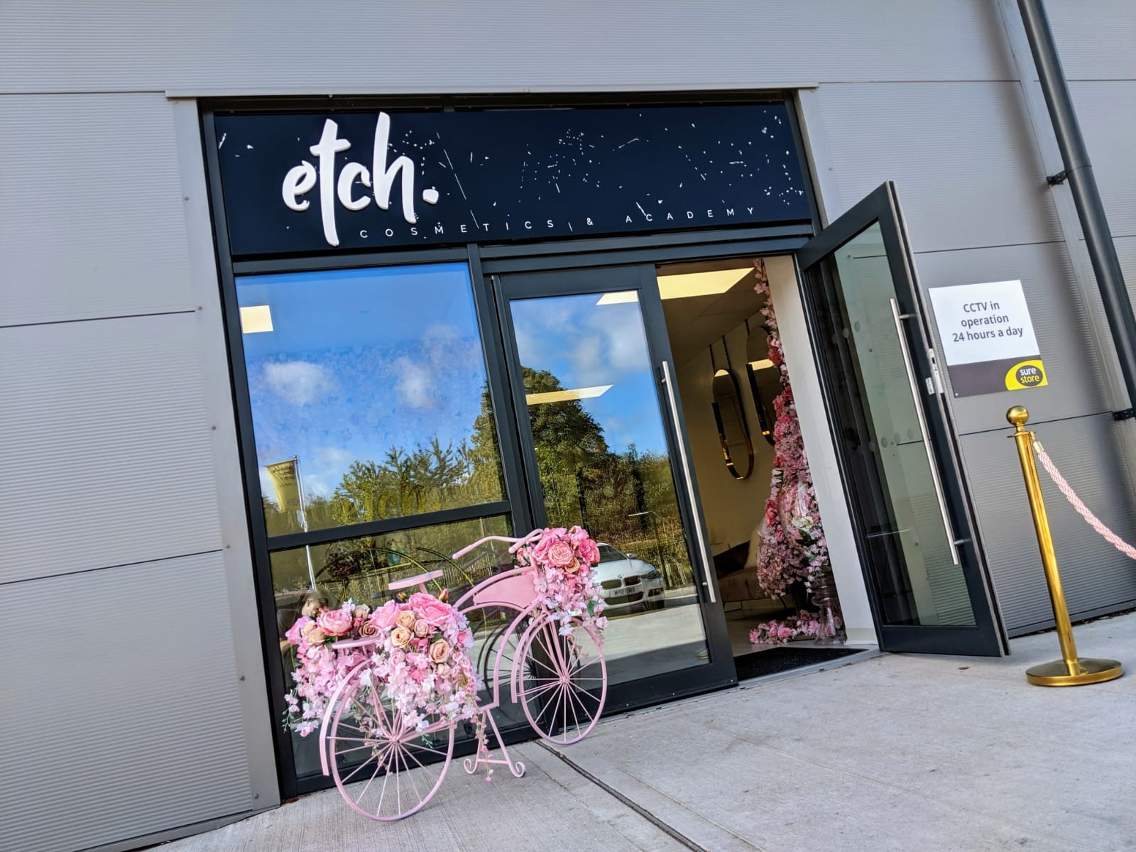 Etch Cosmetics Trade Counter